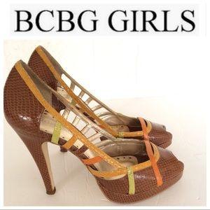 BCBG GIRLS FAUX SNAKESKIN PEEP TOE PLATFORMS 7.5
